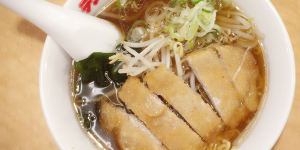 """長野県のみにある大人気ラーメン店、""""テンホウ""""でしっかり温まってきた!"""
